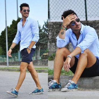 modrá košile